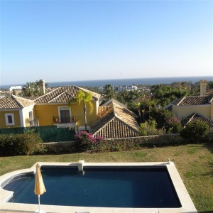 Detached villa with panoramic sea views in El Paraiso