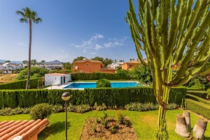 Modern and well priced townhouse in Monte Biarritz, Estepona